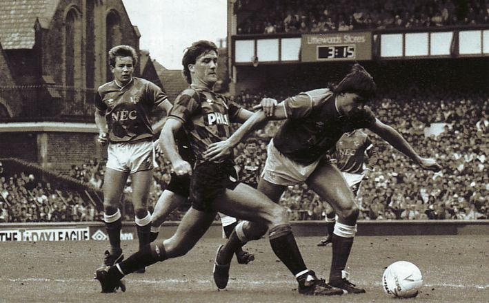 everton away 1986 to 87 action