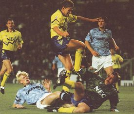 everton home 1991 to 92 action3