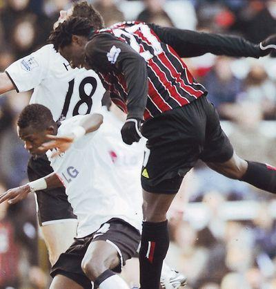 fulham away 2008-09 benjani goal