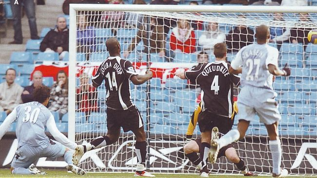fulham home 2006 to07 corradi goal