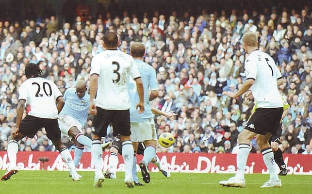 fulham home 2010 to 11 balotelli goal