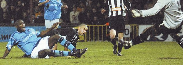 grimsby away 2001 to 02 goater goal