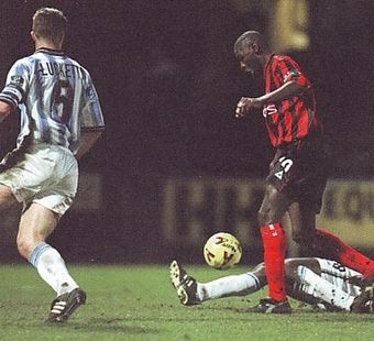 huddersfield away 1999 to 00 goater goal2
