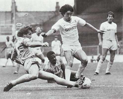 huddersfield home 1984 to 85 action2