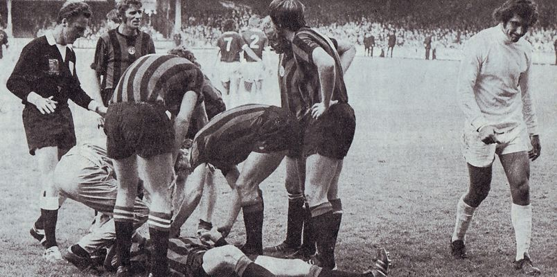 leicester away 1973 to 74 bell goal knocked outa