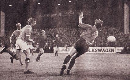 linfield home 1970-71 bell goal