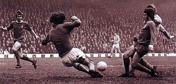liverpool away 1972 to 73 action