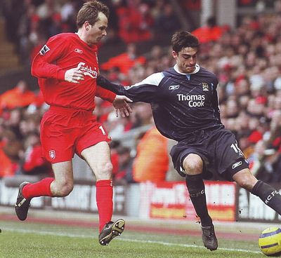 liverpool away 2005 to 06 action3