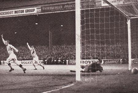 liverpool home leagur cup 1969-70 bowyer 3rd goal celeb