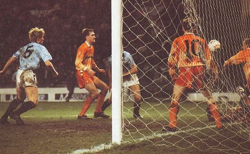 luton home 1990 to 91 action