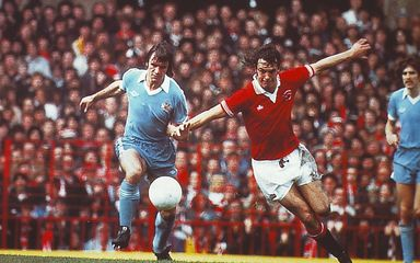 man united away 1978 to 79 action 4