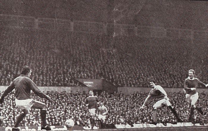 man utd away 1969-70 doyle 2nd goala