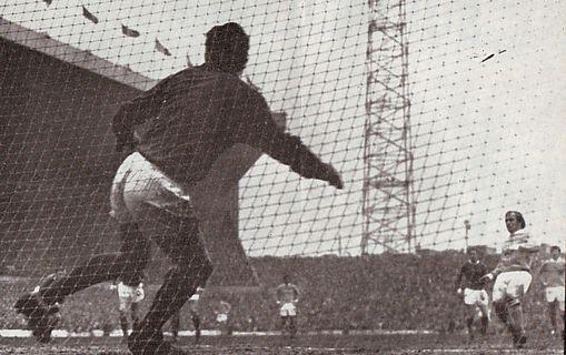 man utd away 1969-70 lee city 1st goala