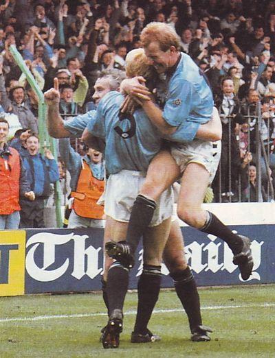 man utd home 1990 to 91 hendry goal3