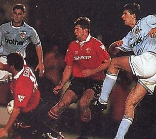 man utd home 1993 to 94 action2