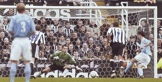 newcastle away 2004 to 05 fowler goal pen