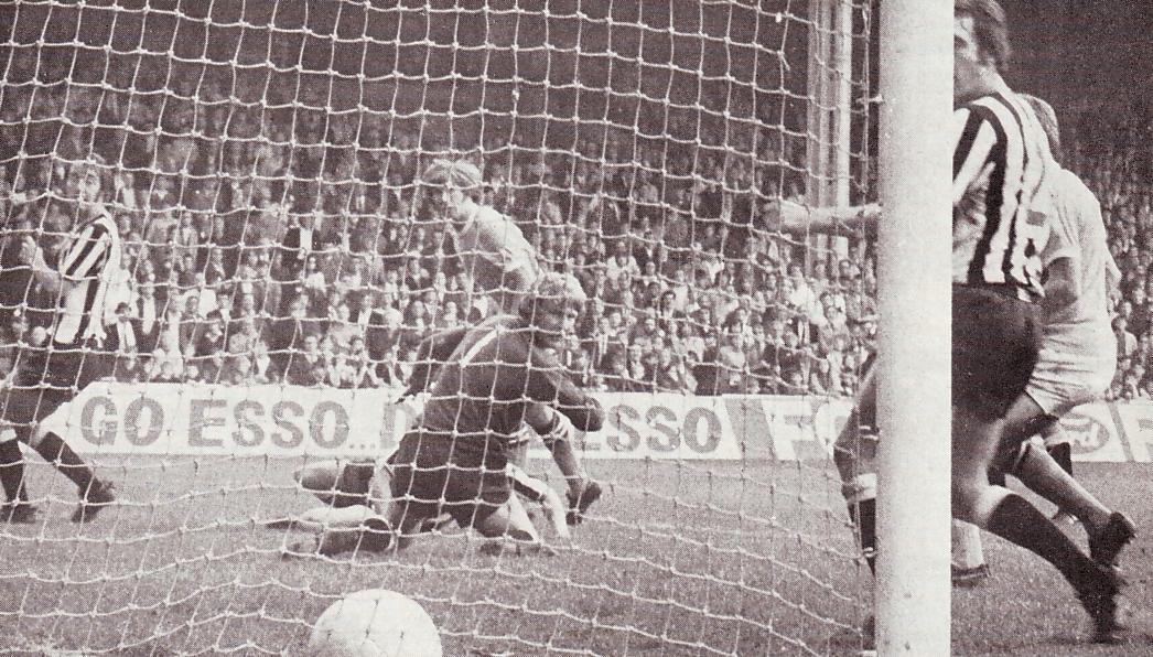 Newcastle home 1971-72 bell goal