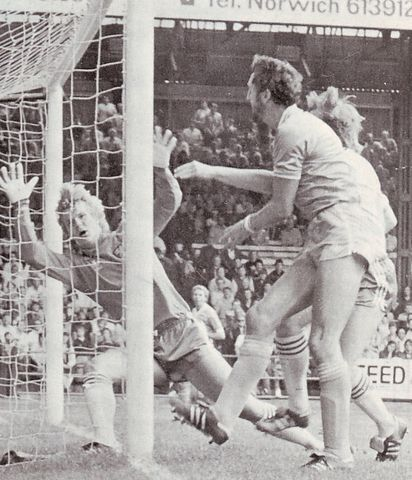 norwich away 1982 to 83 cross 1st city goal