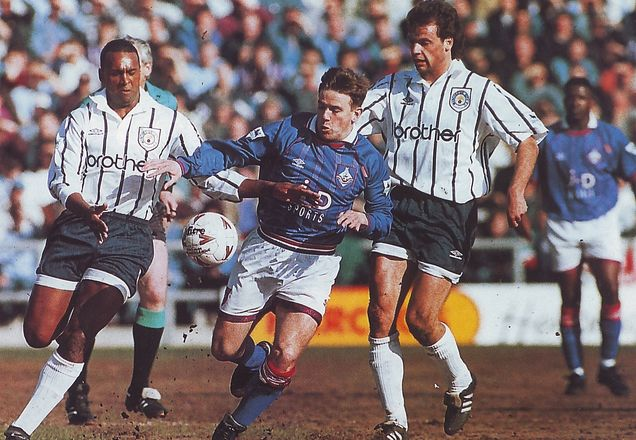 oldham away 1993 to 94 action