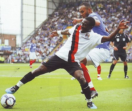 portsmouth away 2009 to 10 action2