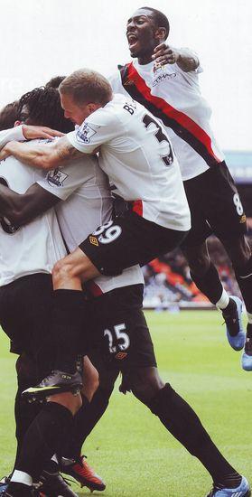 portsmouth away 2009 to 10 adebayor goal celeb