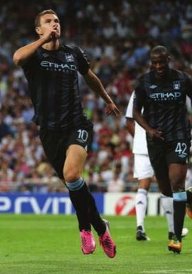 real madrid away 2012 to 13 dzeko goal2