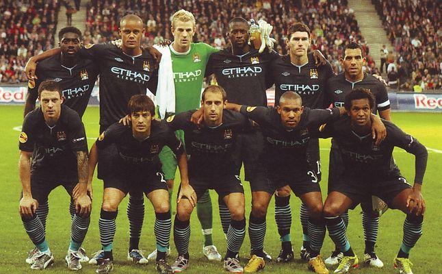 salzburg away 2010 to 11 team