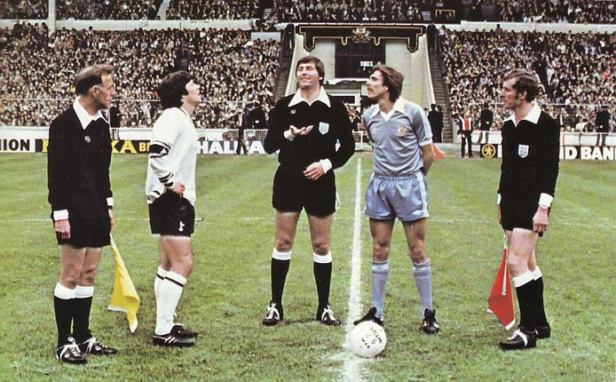 spurs fa cup final 1980 to 81 toss