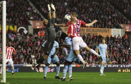 stoke away 2011 to 12 action3