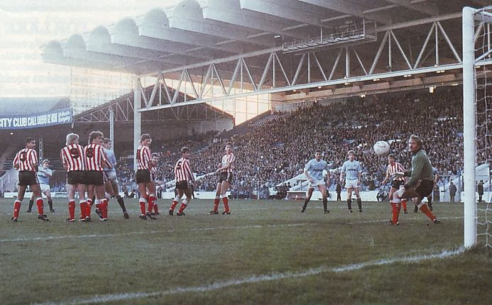 sunderland home 1988 to 89 hinchcliffe goal