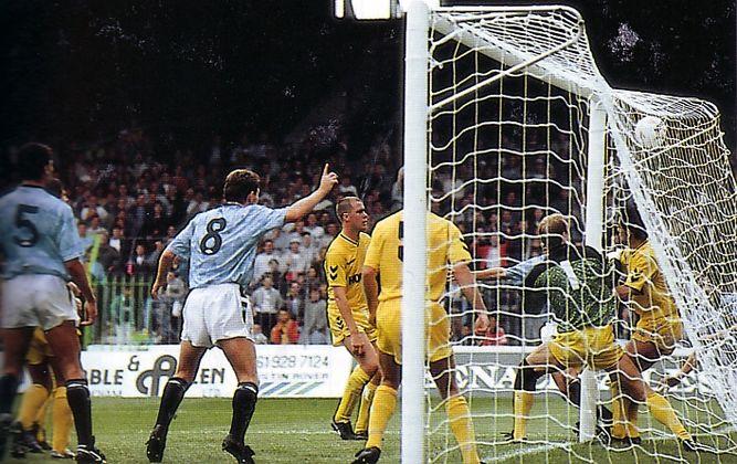tottenham home 1989 to 90 white goal