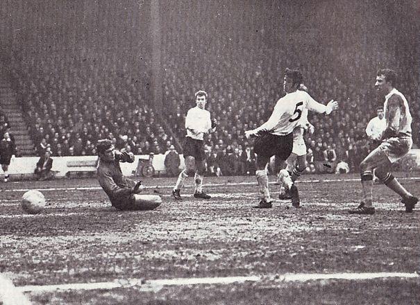 tottenham home fa cup 1968 to 69 lee goal