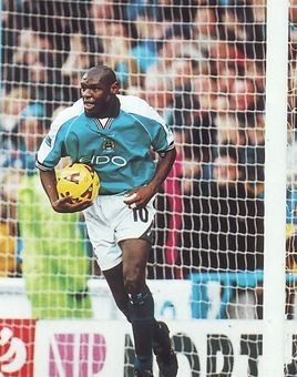 walsall home 1999 to 00 goater goal2