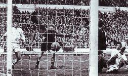 wba league cup final 1969 to 70 pardoe goala