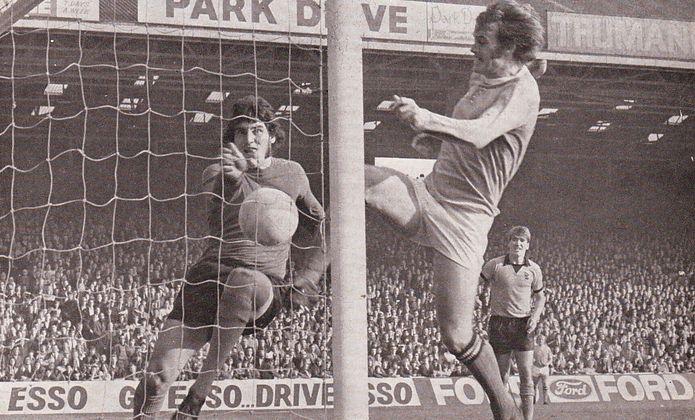 wolves home 1972-73 marsh goal