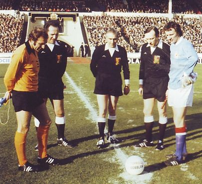 wolves league cup final 1973 to 74 toss up
